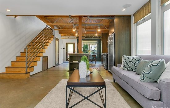 Lofty Townhome