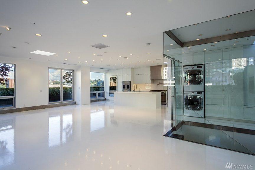 Porsche Design Tower >> All White, Ultra Modern Condo - Urban Living